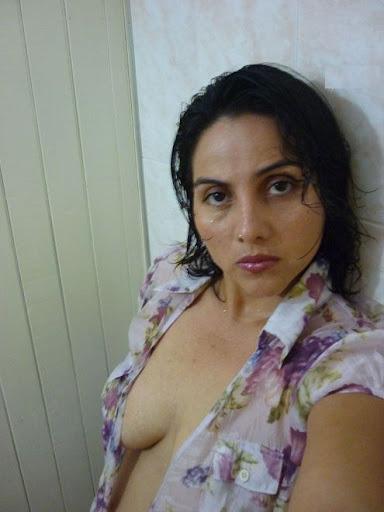 desi aunty nude pics at holidays   nudesibhabhi.com