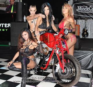 Motos Chopper Y Mujeres