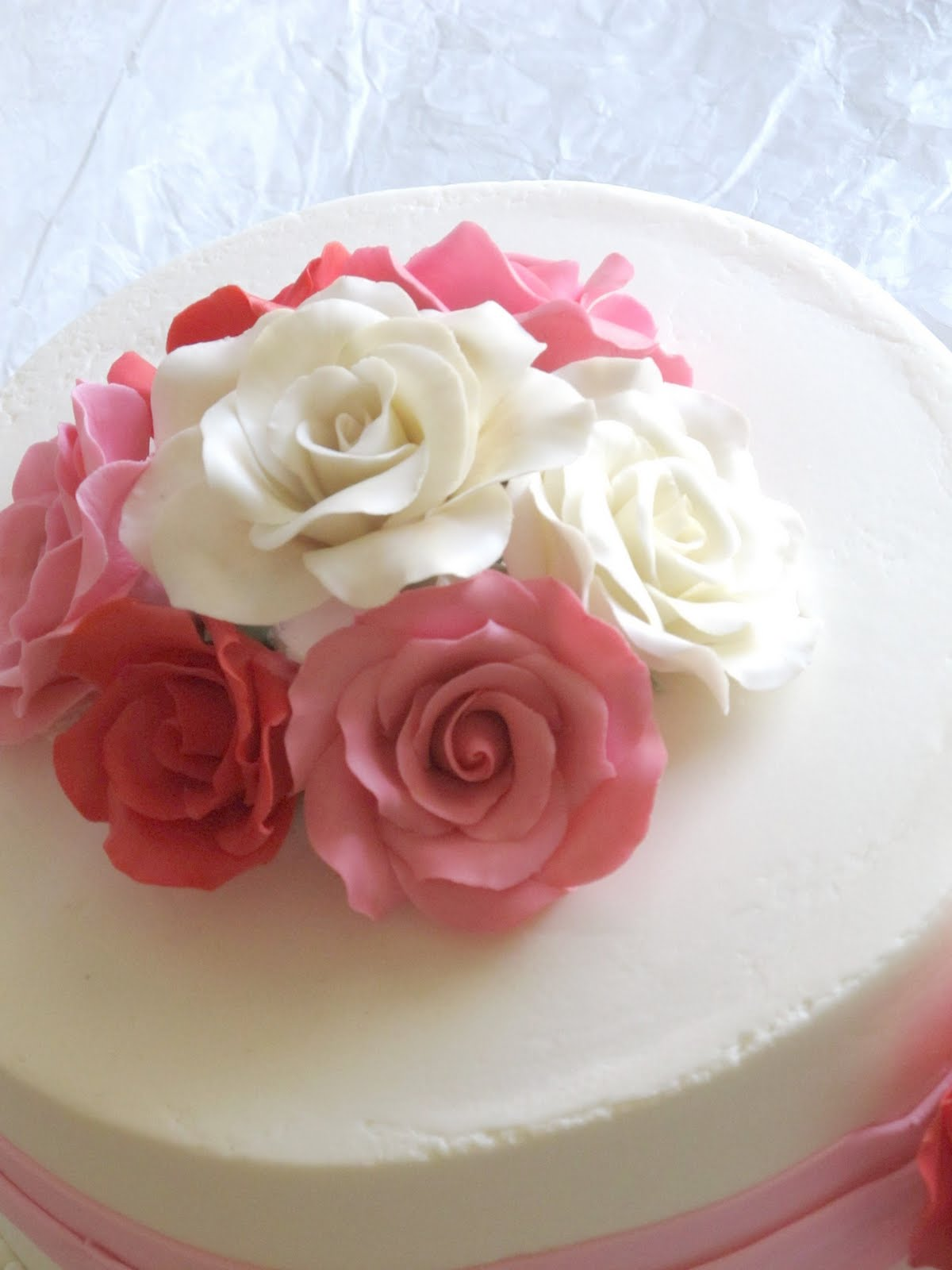 Images For Rose Cake : Happy Cakes Bakes: Simple Rose Cake