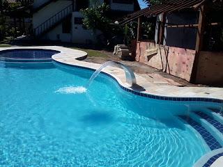 cascata inox piscina azulejo concreto