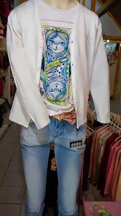 Casaquinho de linha, combinação perfeita com jeans.