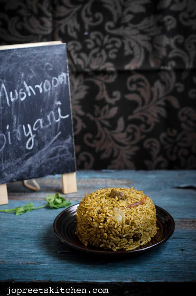 Mushroom & Spinach Biryani / Kaalan Paalak Keerai Biryani