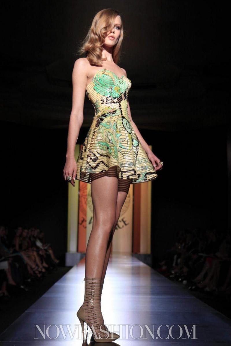 Frida gustavvson valentino haute couture atelier versace for Haute couture atelier