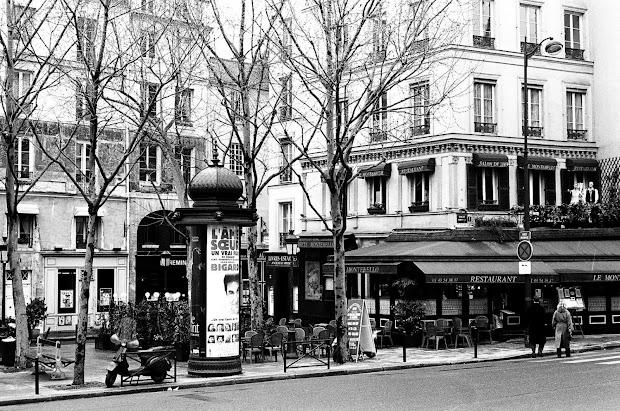 Black and White Paris Street Scenes