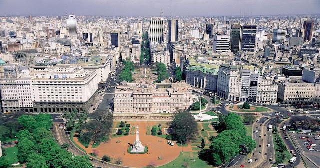 Panorámica de Buenos Aires, con la Casa Rosada al frente