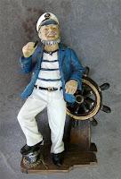 Figura de Capitán Marinero con Timón
