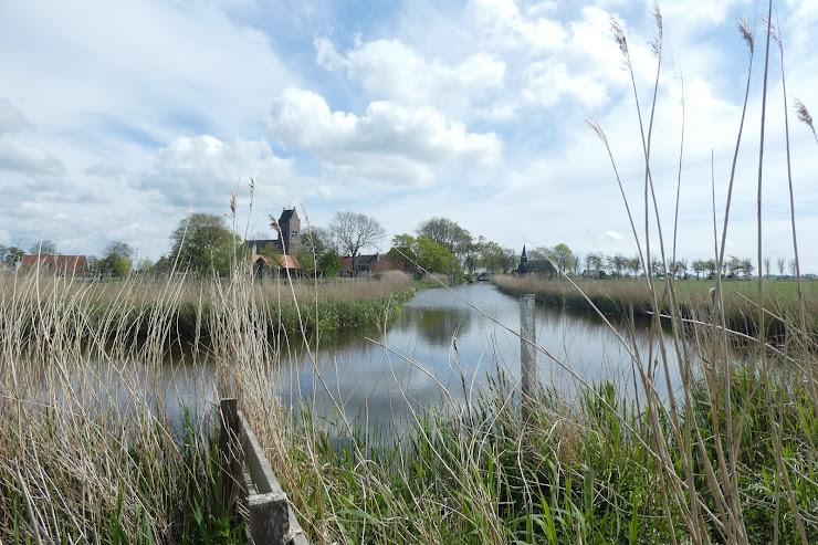 Sicht op Allingawier yn Fryslân