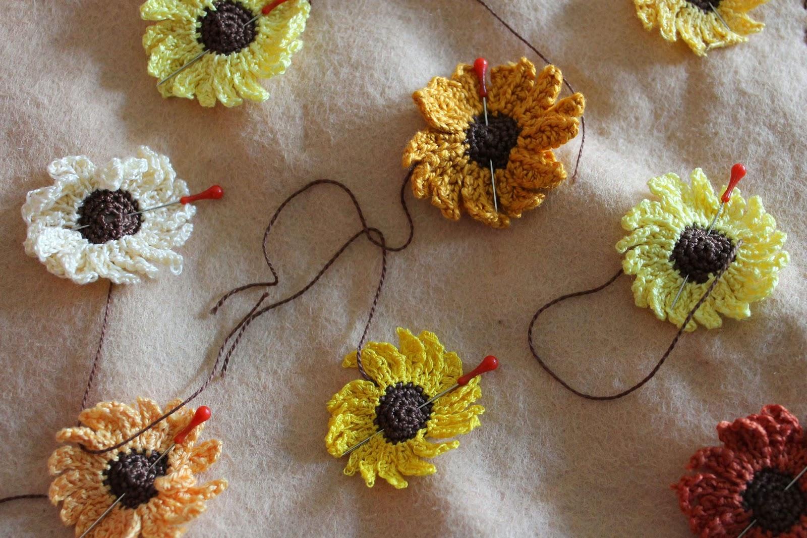 Pinning crochet sunflowers