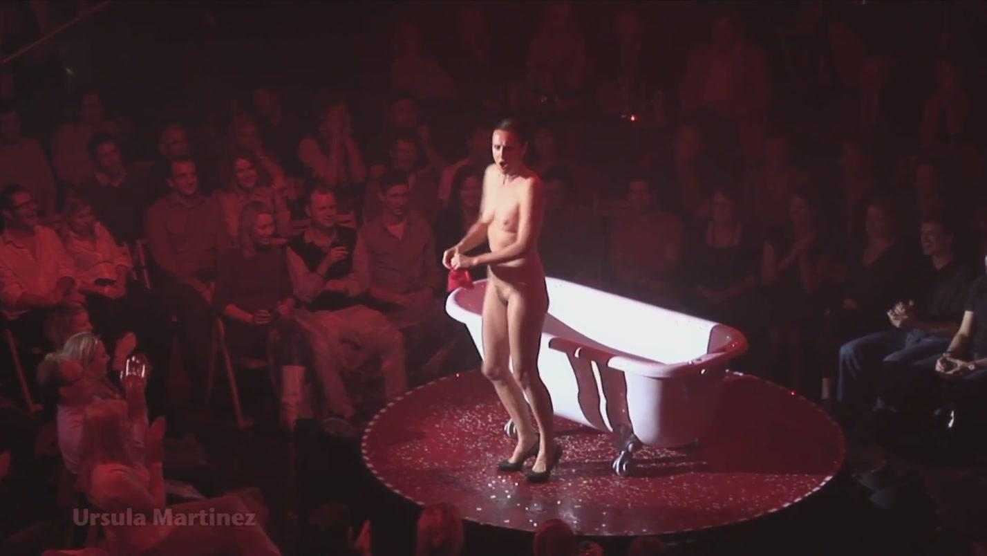 Смотреть без трусов в театре, на сцене без трусов Видео на Запорожском портале 3 фотография