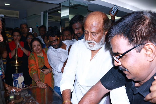 RajiniKanth Pays His Last Respect to M.S.Viswanathan HD Photos