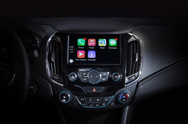 General Motors Partners With Apple And Google To Stop Distracted Driving