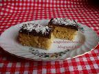 Almás narancsos sütemény csokoládémázzal, kókuszreszelékkel díszítve a tetején, kevert tésztájú sütemény recept.
