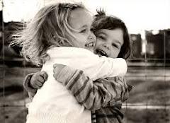 Los abrazos alegran!