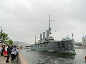 L'incrociatore Aurora, a San Pietroburgo (foto ap)