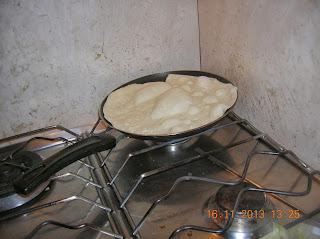 piadine farcite fatte in casa ... spaghettoni fatti in casa ......costine di vitella  al forno con patate