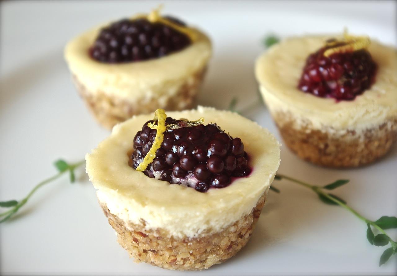 Luv'n Spoonfuls: Blackberry Cheesecake Tarts