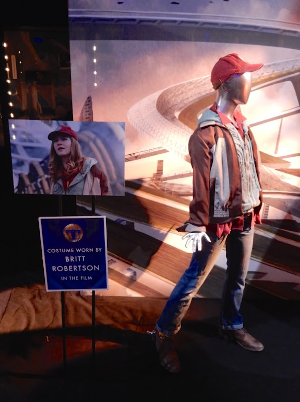 Tomorrowland Casey Newton movie costume