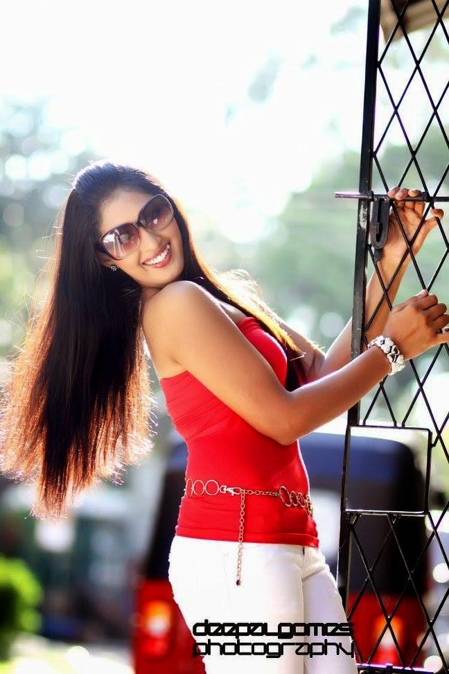 Sajini Priyangika sl model