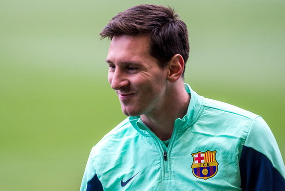 Lionel Messi could be worth up to €400 million, according to one sports marketing firm