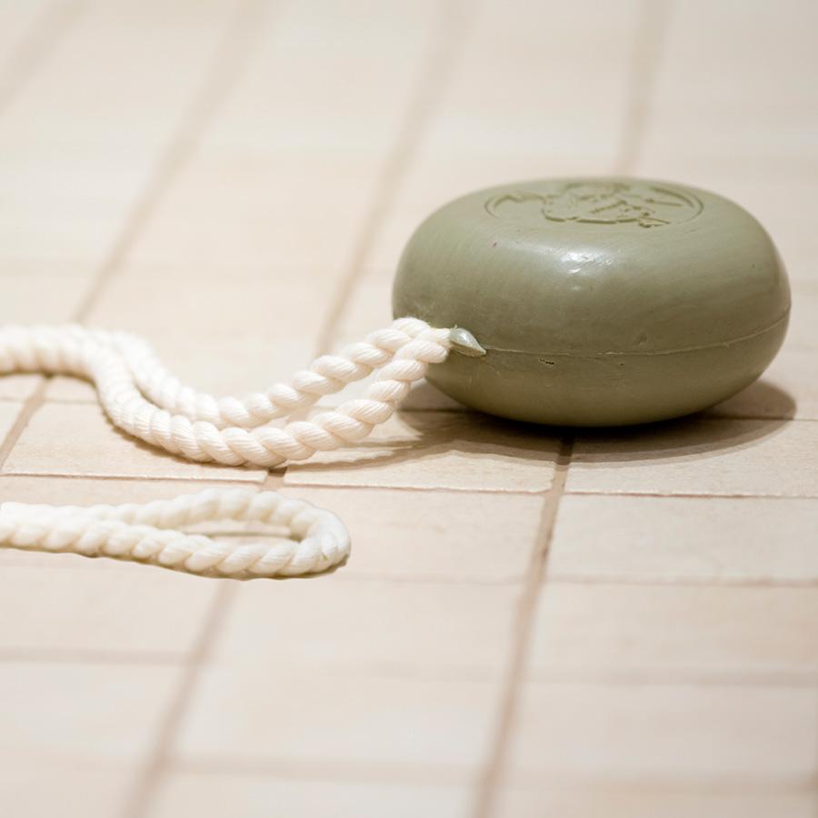 KLA004-Klar-soap-on-a-rope2.jpg