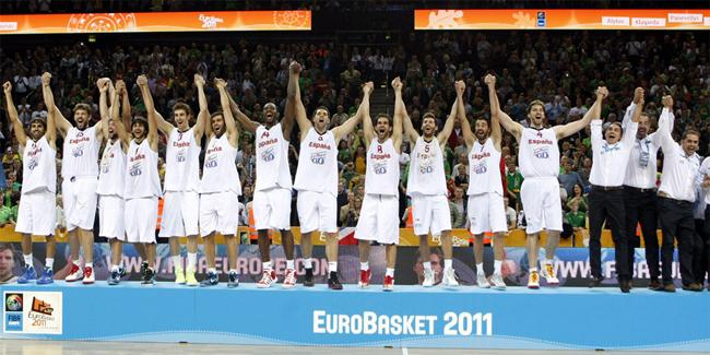 jugadores de la selección española de baloncesto campeones de Europa 2011