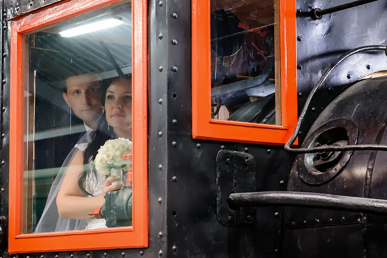 vestuvinės nuotraukos su traukiniais Anykščiuose