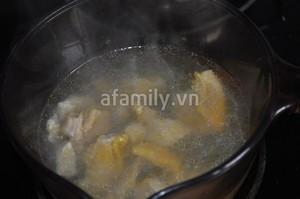 Canh gà khoai lang nóng hôi hổi