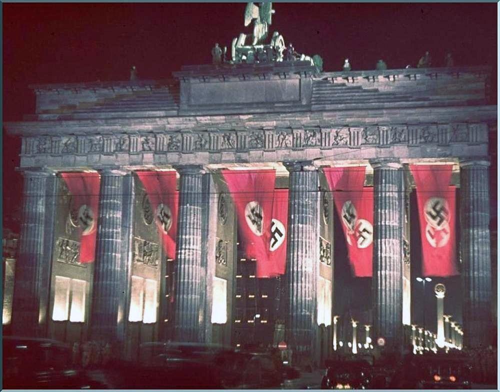 Propaganda Pravda The Image Of The Brandenburg Gate On Coins And Medals