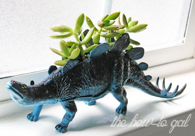 Dinosaur+Planter+4.jpg