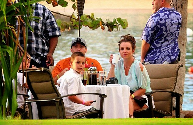 Britney Spears wears a Blue Bikini at Maui Hawaii‭ ‬on Friday, March 28, 2014