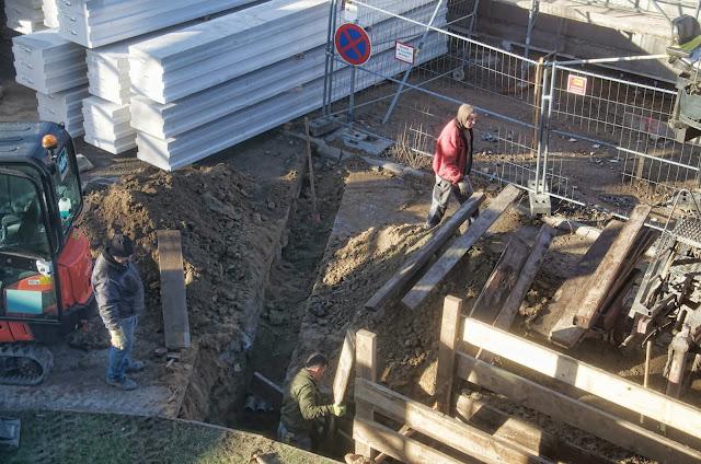 Baustelle, Errichtung einer Druckerhöhungsstation, Vattenfall, Storckower Straße, neben dem Finanzamt Prenzlauer Berg, 07.01.2014