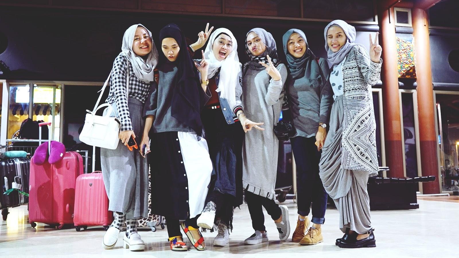 Empat Item Fashion Yang Wajib Dimiliki Jika Ingin Berpenampilan Ala Artis Korea Blog Behijab