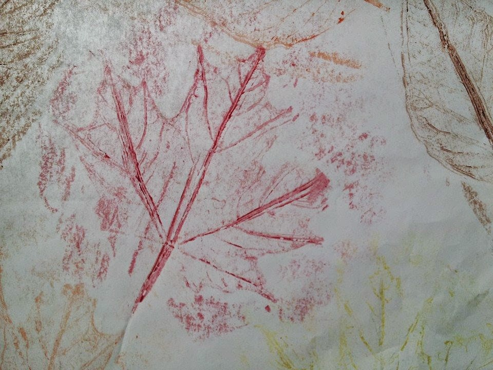 fall leaf rubbing, fall crafts, kids crafts, autumn leaves