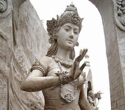 Patung Ibu Pertiwi