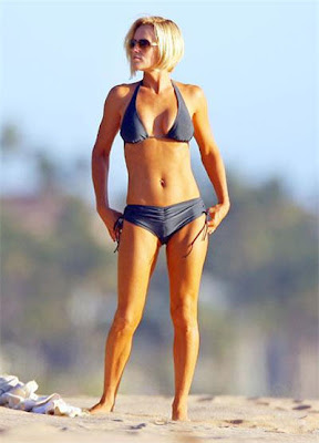and comedian Jenny McCarthy Beautiful pictures,Jenny McCarthy profile