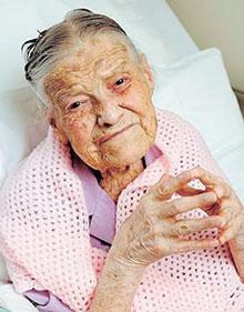 Nenek Berusia 107 Tahun Masih Dara