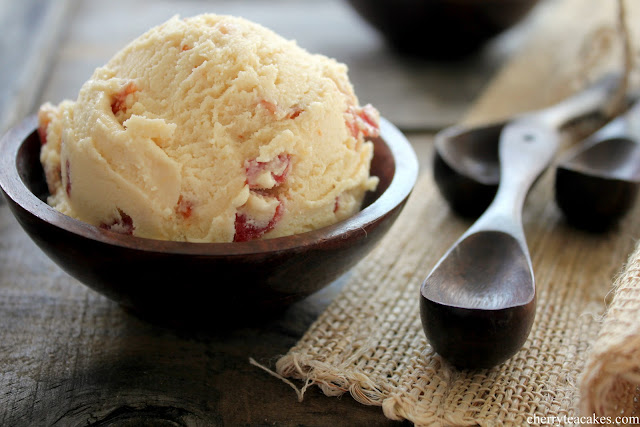Maple Bacon Bourbon Ice Cream recipe from cherryteacakes.com
