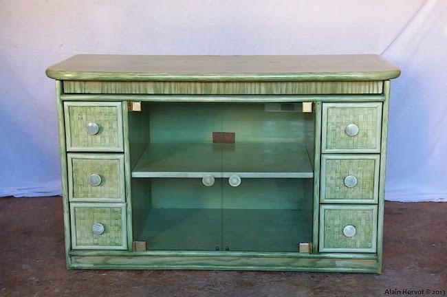 ambiances bois patines meuble tv relook gris clair. Black Bedroom Furniture Sets. Home Design Ideas