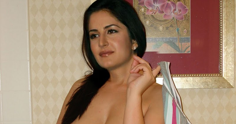 Casual concurrence Katrina naked in toilet consider, that