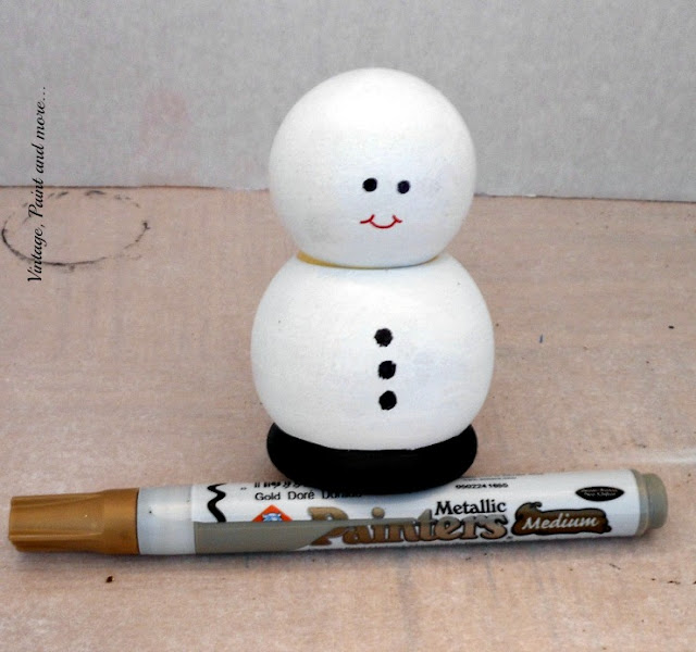 Vintage, Paint and more... sharpie drawn face on wooden snowman
