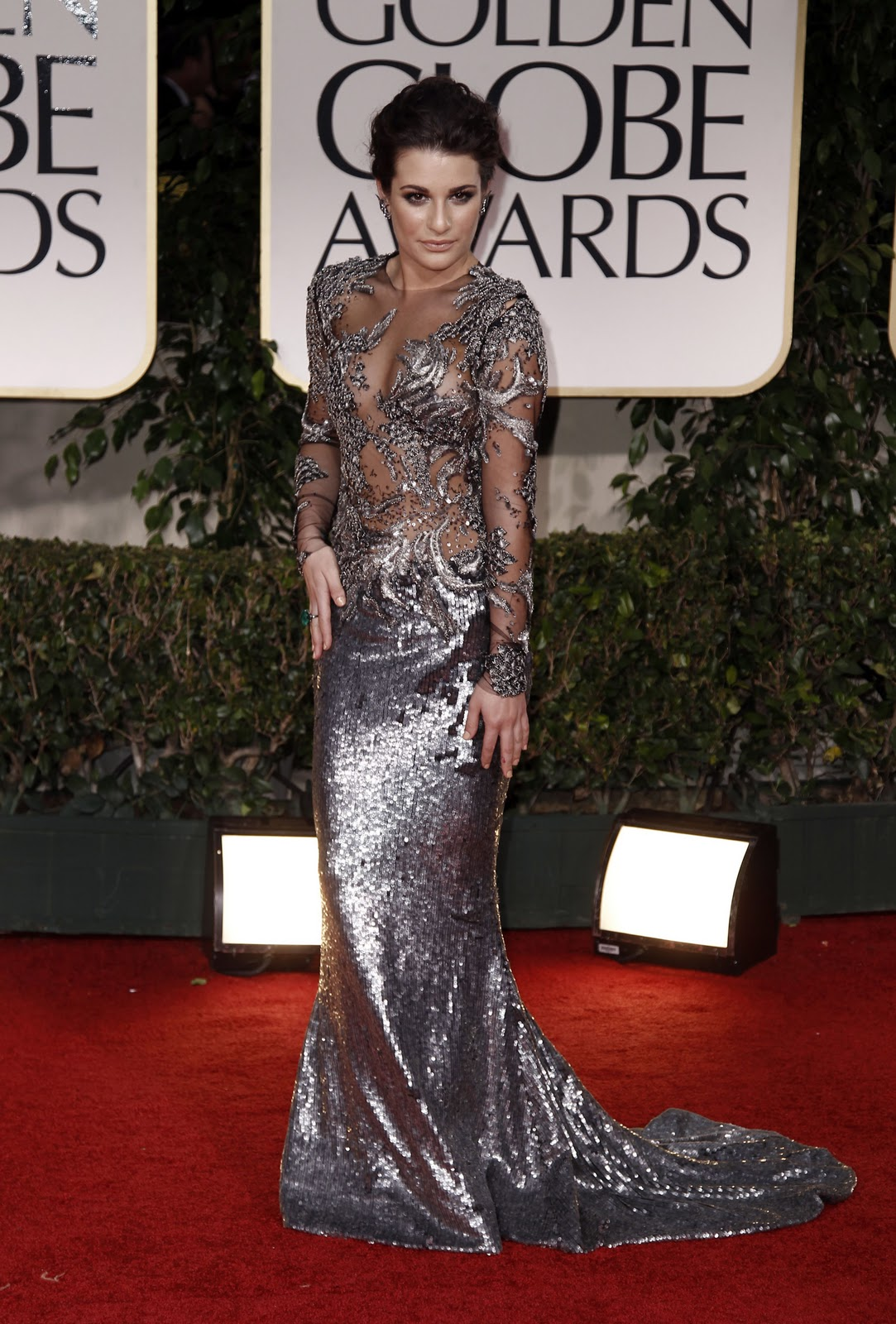 http://3.bp.blogspot.com/-F5ap3TLRs0A/TxSLKM0dfQI/AAAAAAAABzg/T9W_CGixZzc/s1600/CU-Lea+Michele+arrives+at+the+69th+Annual+Golden+Globe+Awards-07.jpg
