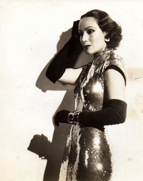 Dolores Del Rio #1930s #fashion #30s #style #gloves #sequins