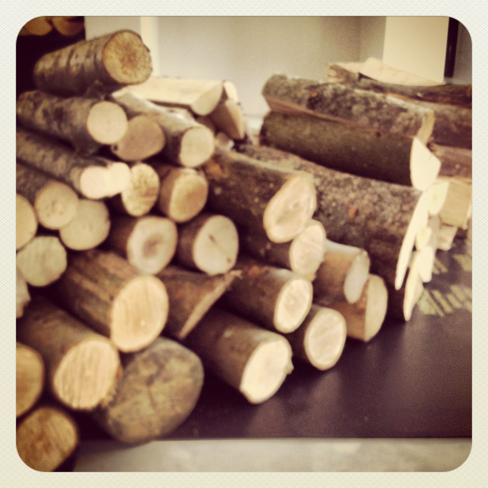 The London Log Company: Decorative Log Walls