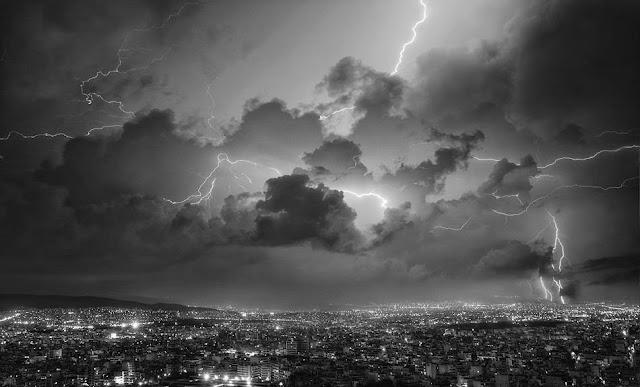 Ο ειδικός κλιματολόγος της ΝASA προειδοποιεί: Έρχονται καταστροφικοί σεισμοί, εκρήξεις ηφαιστείων