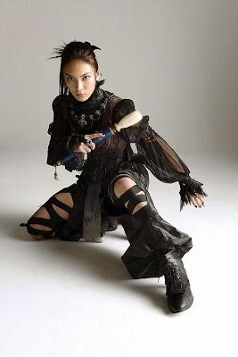 Sayaka Akimoto como BIKU