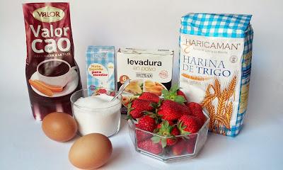ingredientes tronco de chocolate relleno de fresas con nata