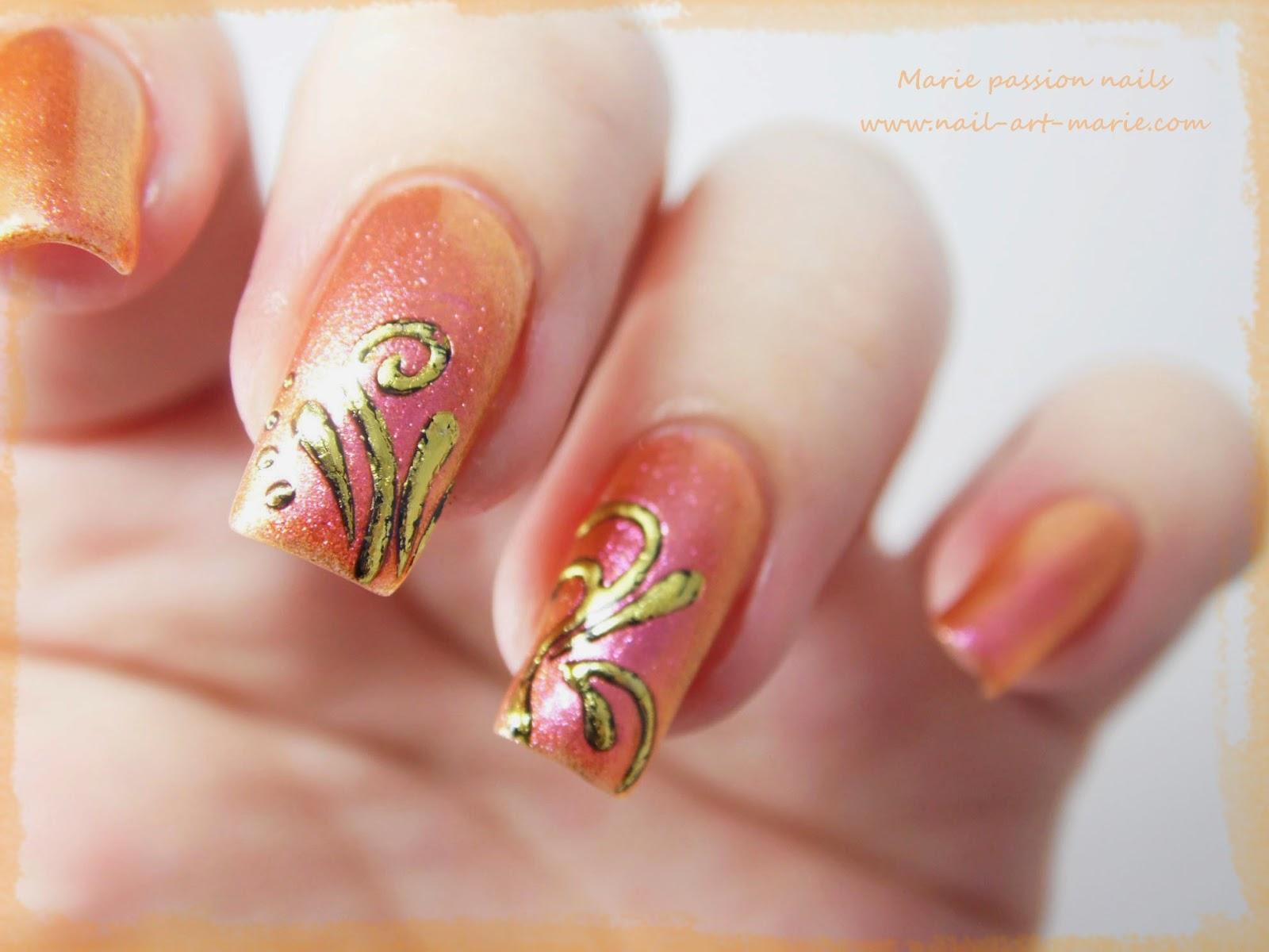 Nail art accent nail en dorures2