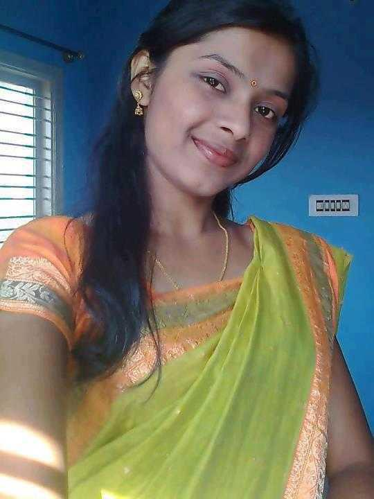 puku aunty Mallu aunty in saree 2013