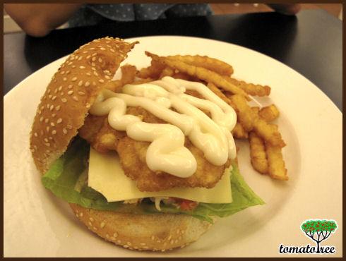 Foodiot kk your food idiot 39 s guide in kota kinabalu for Fish burger near me
