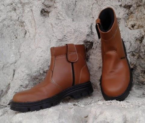 Sepatu Safety Warna Mocca & Coklat